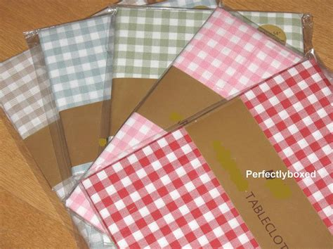 pink kitchen tablecloth pink gingham tablecloths www perfectlyboxed