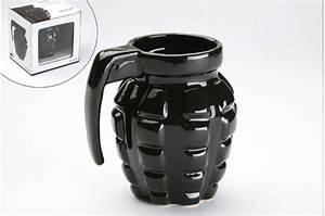 Tasse à Café Originale : tasse grenade noire accessoire mug pas cher declik deco ~ Teatrodelosmanantiales.com Idées de Décoration