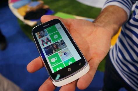 อ ะ ย งไง nokia บอก skype สามารถใช งานบน lumia 610 ท ม