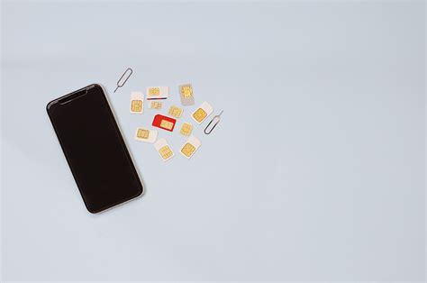 Do iphones use sim cards. What size SIM card does an iPhone use? | WhistleOut