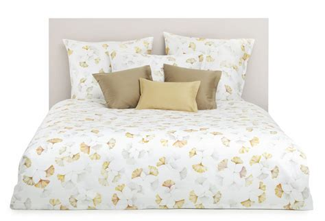 Bed Bath Beyond Bedspreads by White And Gold White And Gold Bedding