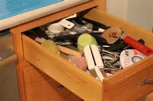 organize junk drawer kitchen organize your junk drawer i planners 3777