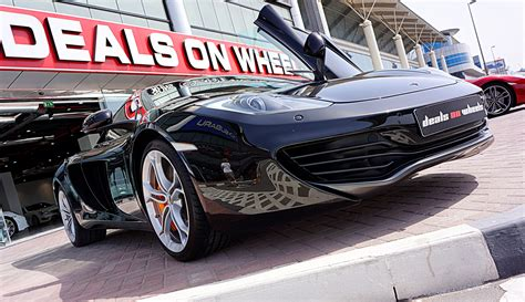 mclarens  deals  wheels  showroom  dubai