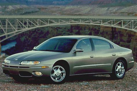 how cars engines work 2001 oldsmobile aurora lane departure warning 2001 03 oldsmobile aurora consumer guide auto