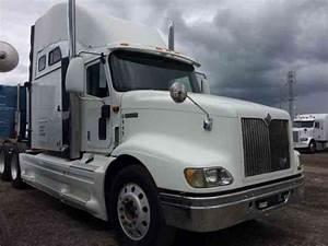 International 9200  2000    Sleeper Semi Trucks