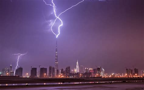 Burj Khalifa Photos At Night