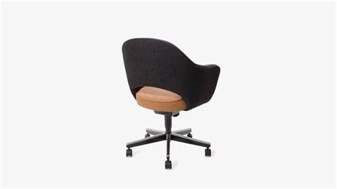 Saarinen For Knoll Executive Armchair In Original Two-tone