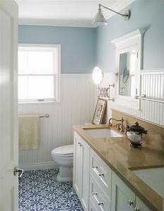 beach cottage style bathroom
