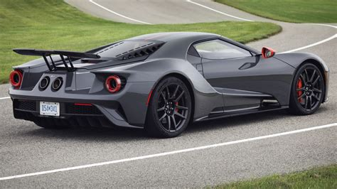 Gt Price by 2019 Ford Gt Adds Lightweight Carbon Series Gets 50 000