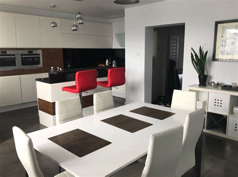 New Fully Furnished Duplex Apartment Close To Main Square
