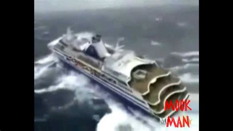 Boat Crash Epic by Epic Fail Boat