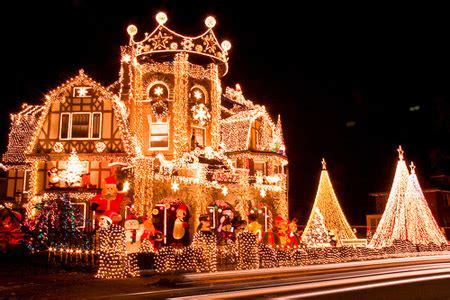 12 amazing christmas lights around the world christmas