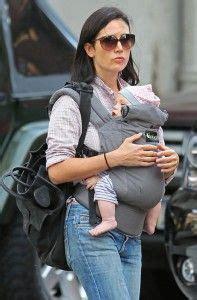 jennifer connelly baby jennifer connelly uses a boba baby carrier celebrity