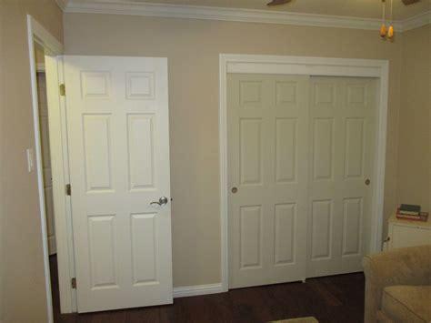 colonist door mastercraft    primed  panel