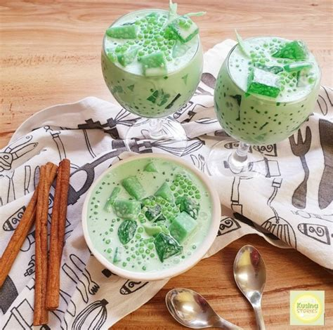 Jika ingin menggunakan daun pandan, kamu perlu membuat rebusan tiga lembar daun pandan dalam dua gelas air. Cara Membuat Es Buko Pandan , Sajian Dessert Favorit dari ...