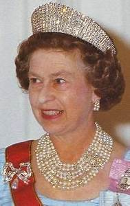 1000+ images about Queen Elizabeth's jewels on Pinterest ...