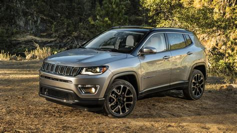 jeep compass 2017 trunk 2017 jeep compass makes u s debut with 180 hp up to 30 mpg