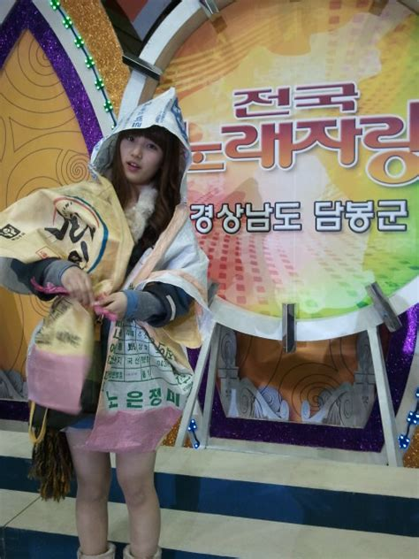 [Pictures] Suzy shows