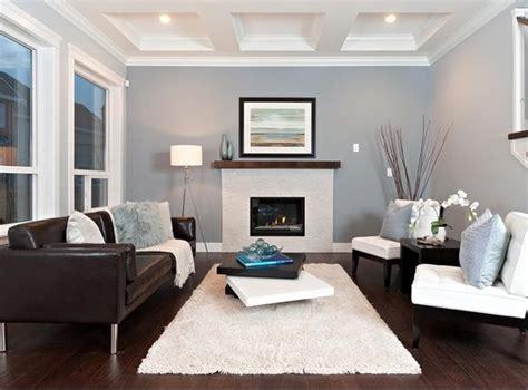 teal accent chairs 10 ideias de salas decoradas com sofá marrom apartamento
