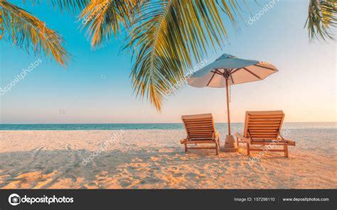 chaise longue de plage vue de la plage parfaite conception de vacances d t