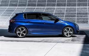 308 Peugeot : peugeot 308 gt 2015 features equipment and accessories parkers ~ Gottalentnigeria.com Avis de Voitures