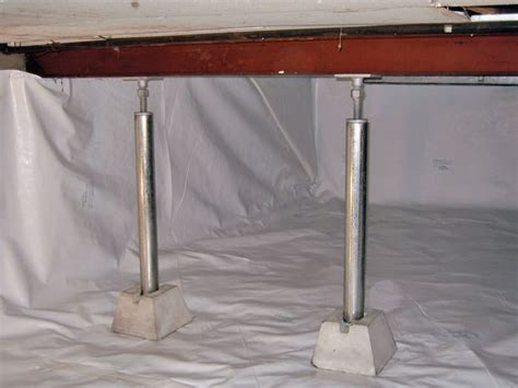 crawl space jacks installed by foundation contractors