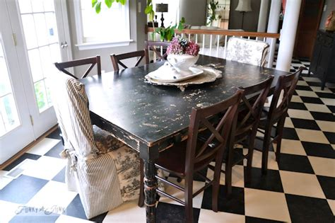 black distressed table and chairs karen the graphics fairy 39 s interior decorating