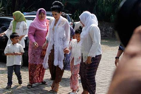 Nikah Nikita Mirzani Batal Jalani Pemeriksaan Sepakat Info
