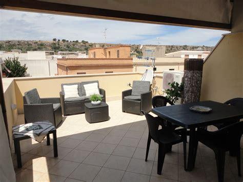 terrazza arredata casa vacanza con terrazza panoramica arredata 6684249
