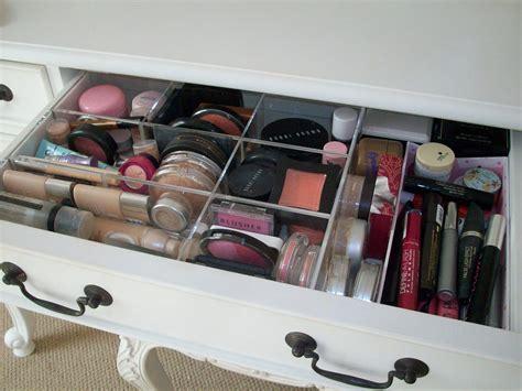 idee de rangement maquillage id 233 es de rangement maquillage maquillage cynthia
