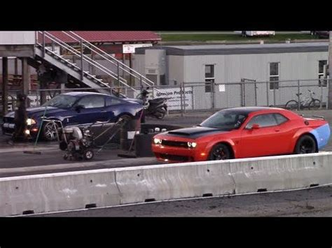 Nhra rates it at 9.65 et (elapsed time) on the ¼ mile and 140 mph. Dodge Demon vs Shelby GT500 1/4 Mile Drag Race - YouTube