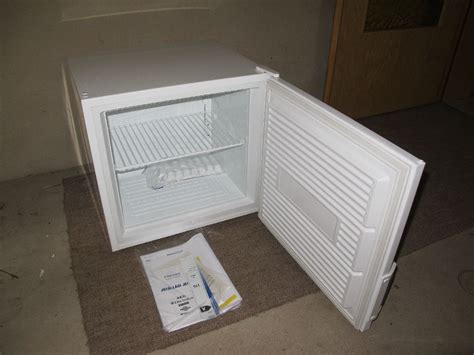 gefrierbox 50 liter zanussi zv 55 fb 50l klein mini gefrierschrank gefrierbox 50 liter ebay