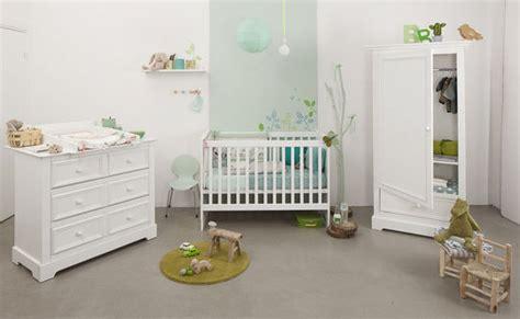 chambre bébé natalys un nid douillet pour bébé mobilier linge de lit