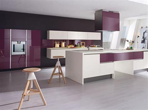 quelle décoration cuisine gris et violet