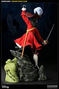 Captain Hook Premium Format™ Figure