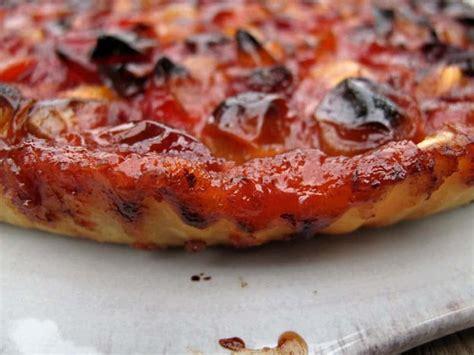 tarte aux prunes rouges recette d une tarte de saison