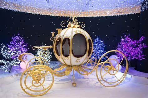 christmas  holiday decorations  paris