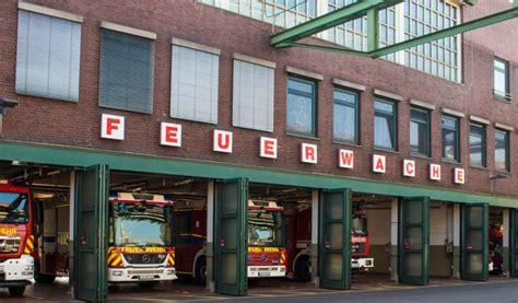 Jun 18, 2021 · im chempark kam es am donnerstag kurzzeitig zu einem produktaustritt, meldet betreiber currenta. Schwerer Betriebsunfall im Chempark Uerdingen ...