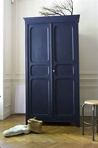 Armoire Chambre Enfant : armoire parisienne bleue chambre enfant trendy little 1 painted furniture pinterest ~ Teatrodelosmanantiales.com Idées de Décoration