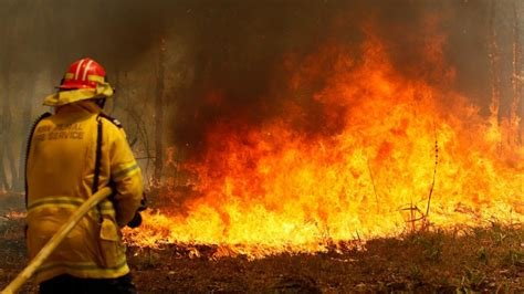 australian state declares emergency due  wildfires abc