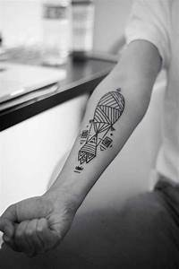 Tatouage Simple Homme : tatouage bras homme simple ~ Melissatoandfro.com Idées de Décoration