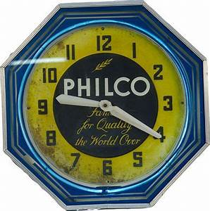Vintage Philco Neon Clock