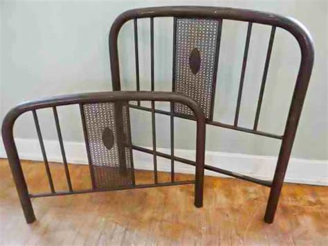 Antique Simmons Iron Bed Frame Headboard Footboard Rails Antique Back Bar For Sale Bracelet Clasps Viking Rings Fine Jewelry Hunt Valley Antiques Beams Eternity Bands Telephone