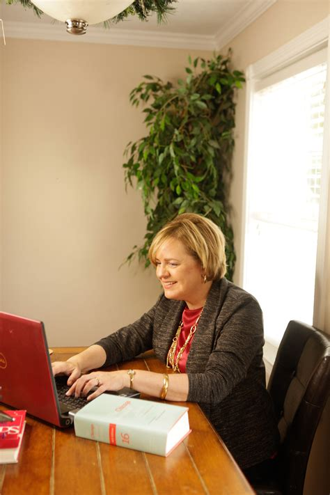 three reasons to hire a professional writer today