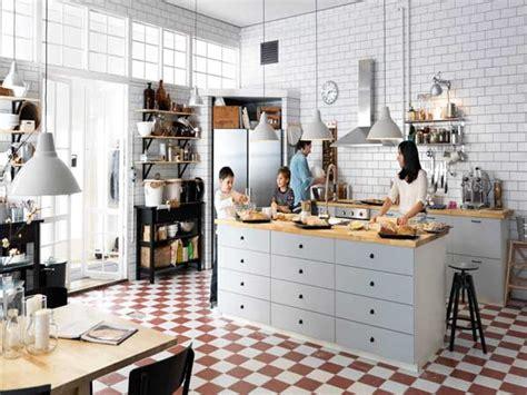 plan de travail central cuisine ikea cuisine americaine avec ilot central et plan de travail bois