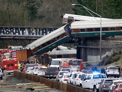 Amtrak Derailment Witness Helped Victims Right After Crash