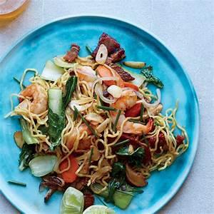 shrimp and pork pan fried noodles recipe sheldon simeon