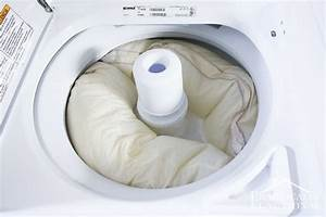How to wash pillows in the washing machine for Can you put a pillow in the washing machine