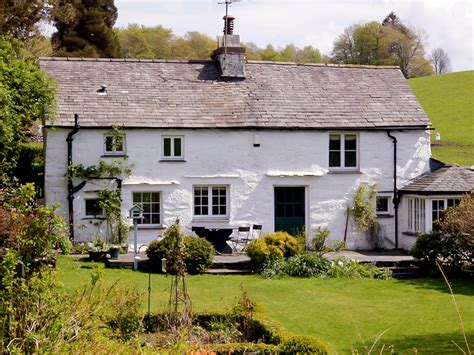 cottage holidays uk dove cottage hawkshead dove cottage hawkshead in