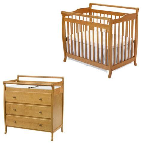 crib changing table set davinci emily mini 2 in 1 convertible wood baby crib set
